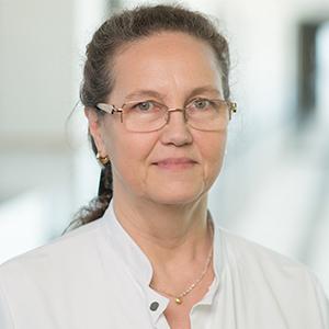 Dieses Bild zeigt ein Portrait von Frau Dr. med. Rosemarie Bolender.