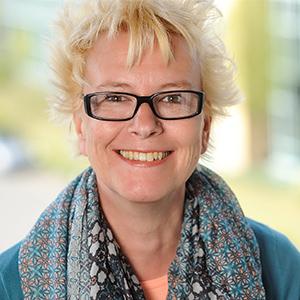 Dieses Bild zeigt ein Portrait von Frau Susanne Busch.