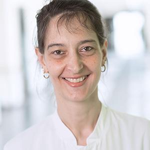 Dieses Bild zeigt ein Portrait von Frau Dr. med. Katharina Goll