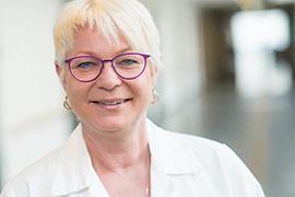 Dieses Bild zeigt ein Portrait von Frau Dr. Claudia Hartmann.