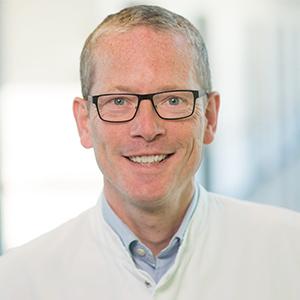 Dieses Bild zeigt ein Portrait von Herrn Priv.-Doz. Dr. med. Dr. habil. Jörg Johannes Höer.