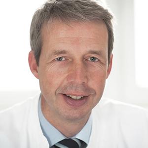 Dieses Bild zeigt ein Portrait von Herrn Prof. Dr. med. Hans Hölschermann.
