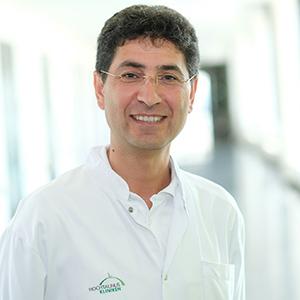 Dieses Bild zeigt ein Portrait von Herrn Dr. med. Abdul Assim Kamand.