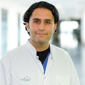 Dieses Bild zeigt ein Portrait von Herrn Dr. med. Zaber Khochfar.