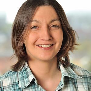 Dieses Bild zeigt ein Portrait von Frau Carola Kiefer.