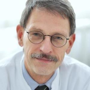 Dieses Bild zeigt ein Portrait von Herrn Prof. Dr. med. Volker Lischke.