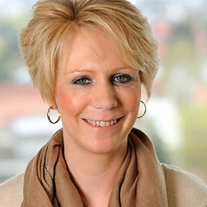 Dieses Bild zeigt ein Portrait von Frau Sabine Richter-Rückauf.
