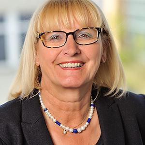 Dieses Bild zeigt ein Portrait von Frau Jutta Rümann-Heller.