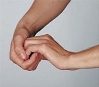 Dieses Bild zeigt Schritt 3 des Händewaschens. Waschen der Finger.