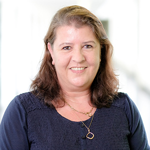 Dieses Bild zeigt ein Portrait von Frau Astrid Hirschmann.
