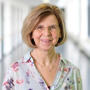 Dieses Bild zeigt ein Portrait von Frau Karin Bernhardt.