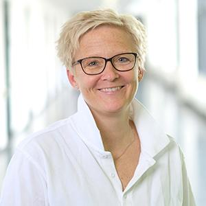 Dieses Bild zeigt ein Portrait von Frau Dr. Ulrike Emde.