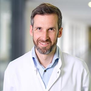 Dieses Bild zeigt ein Portrait von Herrn Dr. med. Sebastian Zwecker.