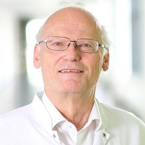 Dieses Bild zeigt ein Portrait von Herrn Prof. Dr. med. Dr. rer. nat. Gerhard Rohr