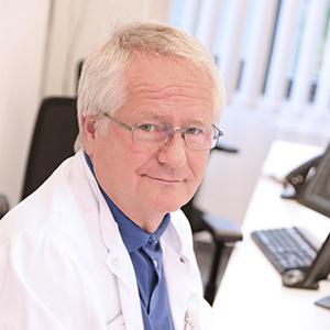 Dieses Bild zeigt ein Portrait von Herrn Dr. med. Ulrich Mack.