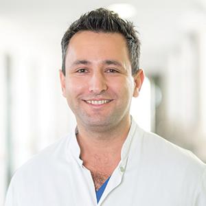 Dieses Bild zeigt ein Portrait von Herrn Jaber Zare.