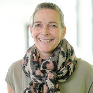 Dieses Bild zeigt ein Portrait von Frau Nadine Zeuner
