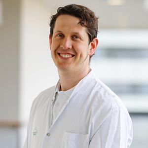 Dieses Bild zeigt ein Portrait von Herrn Dr. med. Patrick Delfosse