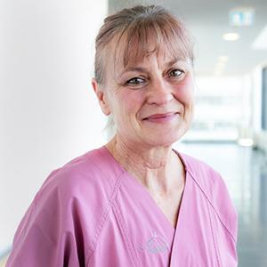Dieses Bild zeigt ein Portrait von Frau Karin Mäuer