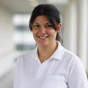 Dieses Bild zeigt ein Portrait von Frau Dr. med. Sarah Altmann