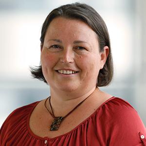 Dieses Bild zeigt ein Portrait von Frau Tanja Schiener.